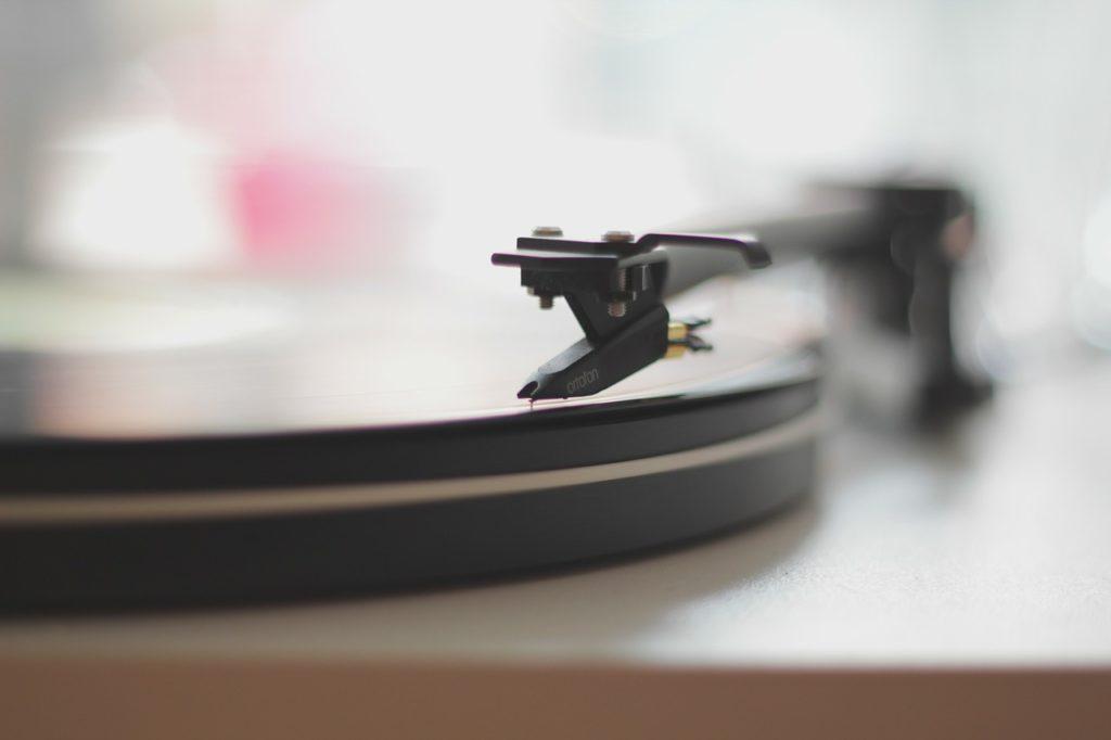 Správná hudba